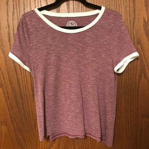 3/$20 SO T-shirt LIKE NEW!